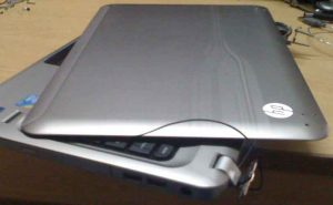 Laptop menteşe tamiri